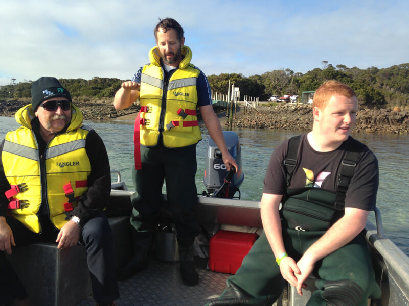 SFIAQUA220A-user-waders-safety-training-australia-2