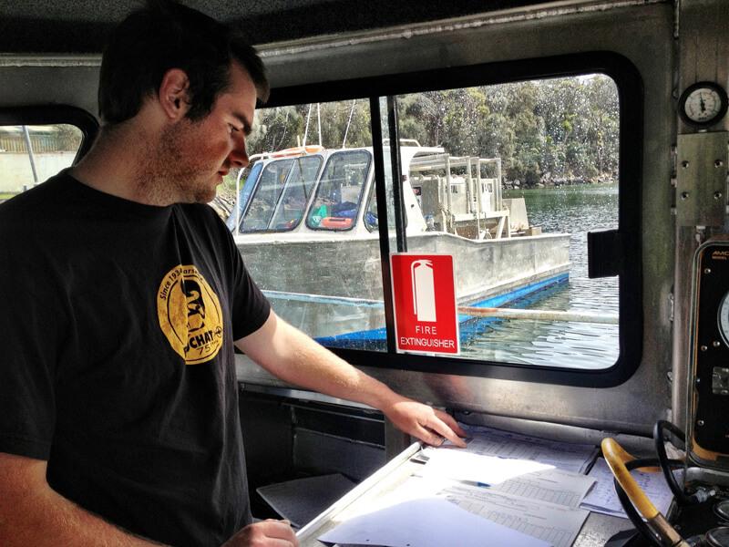 coxwain-navigation-plan-navigate-passage-marine-maritime-training-australia-1